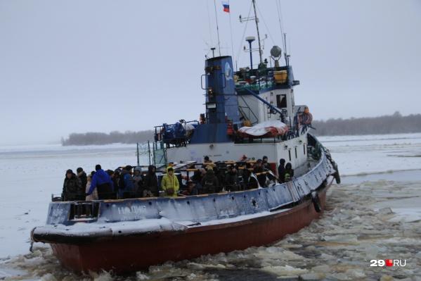 Уже несколько дней в Архангельске серьезные проблемы с буксирным сообщением