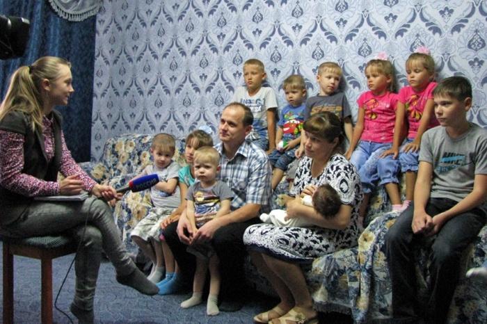 В семье норильского пожарного Николая Мацепуро растёт 14 детей