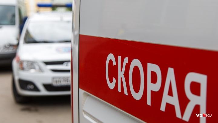 В Волгоградской области в массовой аварии с участием фуры погиб мужчина
