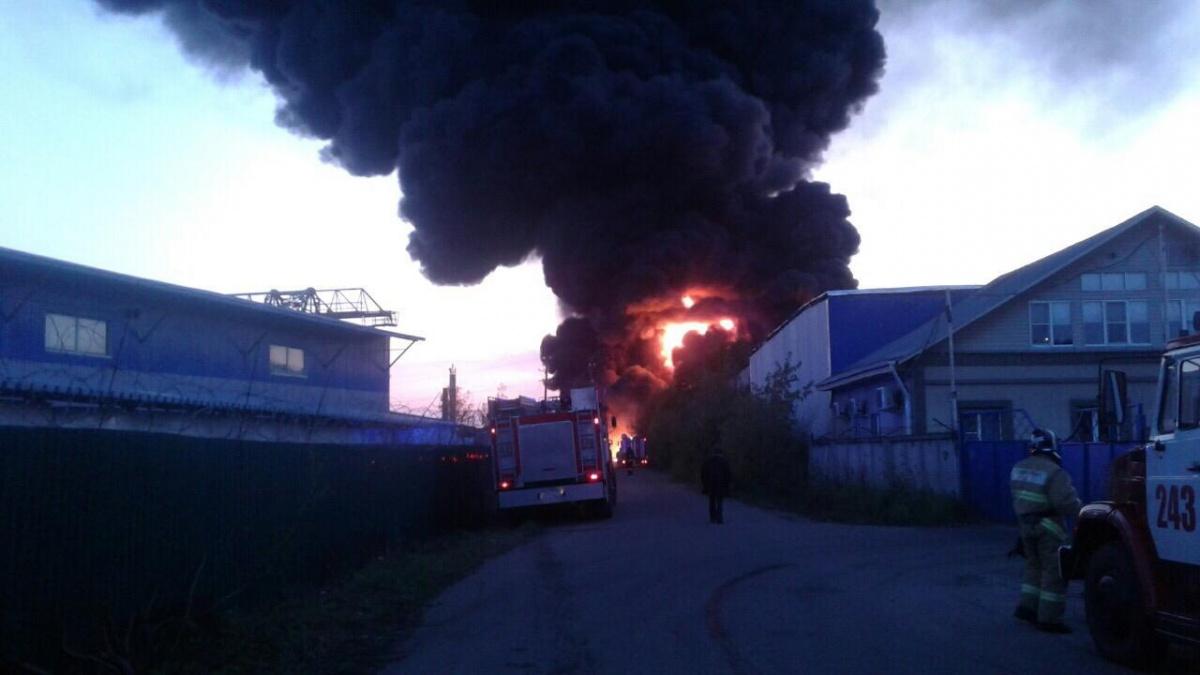Во время пожара пострадали два человека