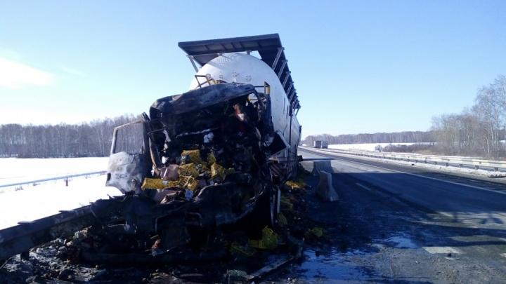В столкновении двух грузовиков на М-5 под Чебаркулем погиб человек