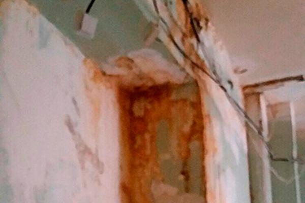 В детской больнице пообещали отремонтировать кабинет после жалоб омички