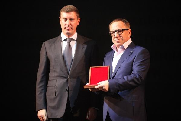 Председатель правительства Ярославской области Дмитрий Степаненко вручил высокие награды представителям предприятий