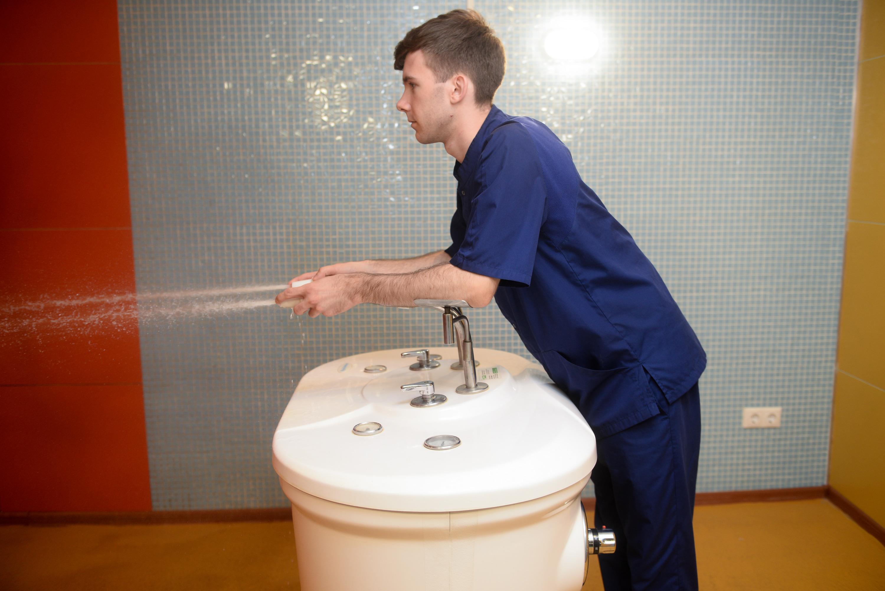 Душ Шарко — одна из самых популярных и эффективных процедур