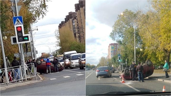 На Харьковской водитель перевернул Matiz и уехал с места ДТП. Потом, правда, вернулся