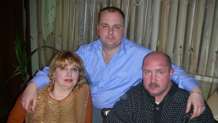 «Они не заметили перебитую артерию»: волжанин три года добивается наказания врачей за гибель сына