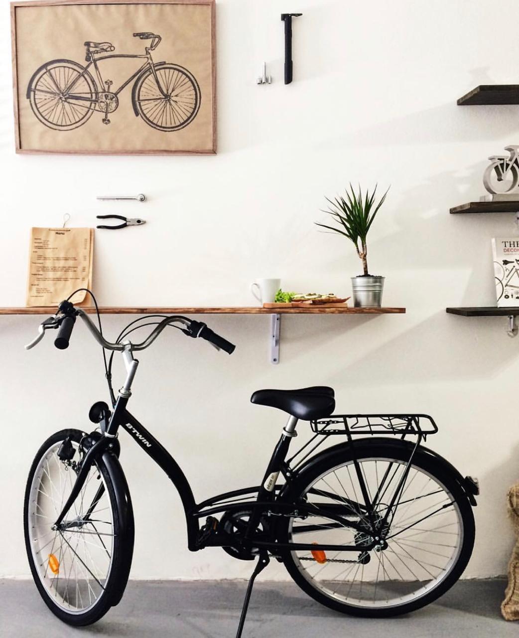 Бизнес на велосипедах сделать не получилось, но они пригодились в дизайне