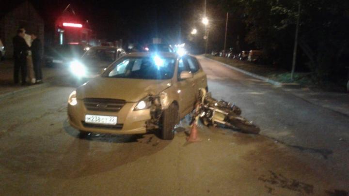 Два мотоциклиста попали в больницу после жёстких ДТП на Кропоткина