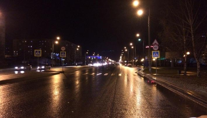 Ребенок под колесами иномарки и смятая легковушка на тюменской трассе: дорожные видео недели