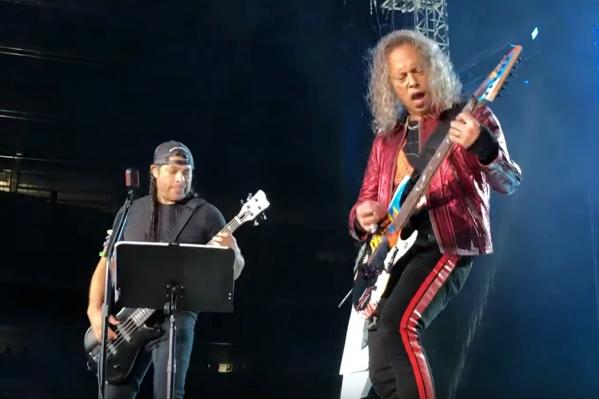 Дуэт Трухильо и Хэммета часто играет на концертах хиты групп из разных стран