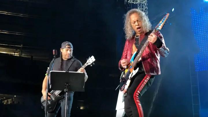 Россия сошла с ума от кавера Metallica на «Группу крови»