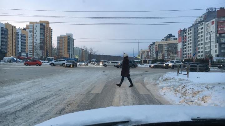 На оживлённом перекрёстке в Челябинске исчезли светофоры