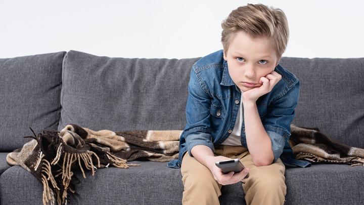 Родительский контроль: психологи объяснили, сколько по времени детям следует смотреть телевизор