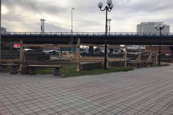 Сейчас так выглядит территория на пересечении улиц Фрунзе и Красный Путь