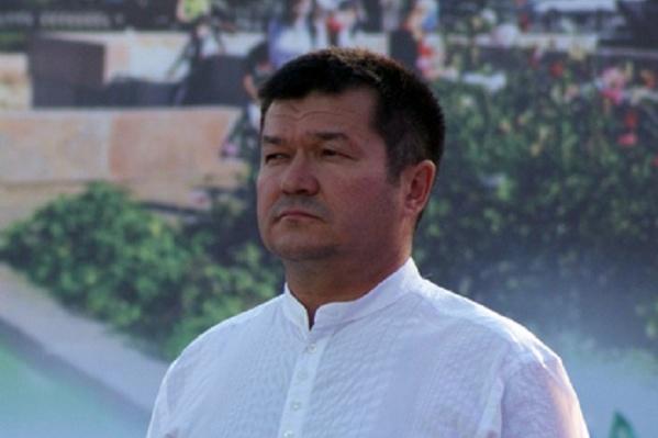 Багаув занимал должность главы администрации района в 2012 году