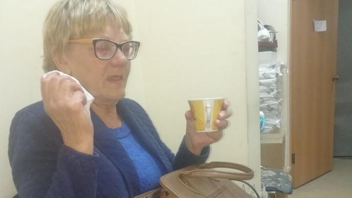 «Она не попрошайка»: пенсионерка с трудной судьбой осталась без еды и с долгами за лечение.