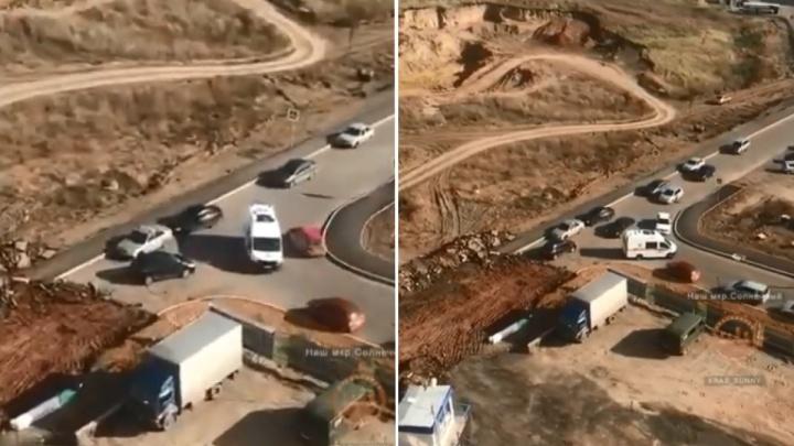 Перекопанная дорога в «Солнечном» стала проблемой для скорой при вызове