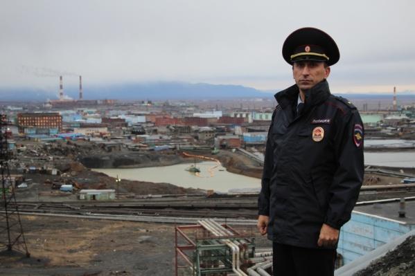 Амилан Мамуладзе работает участковым с 2014 года