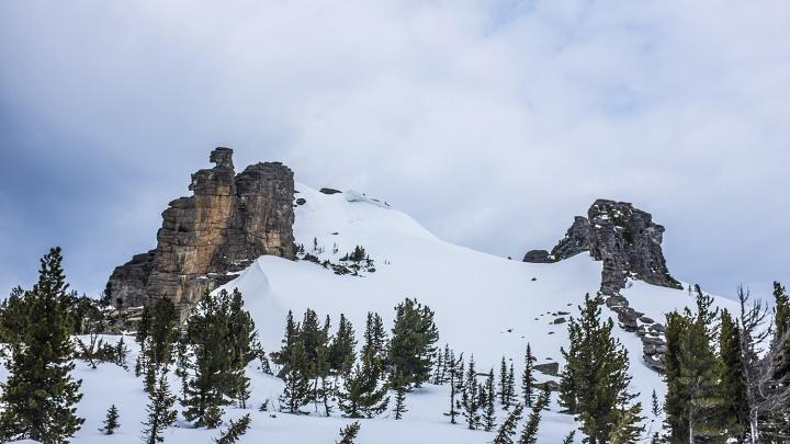 «Лавина их не тронула»: глава секции горного туризма рассказал, как двум сибирячкам удалось спастись