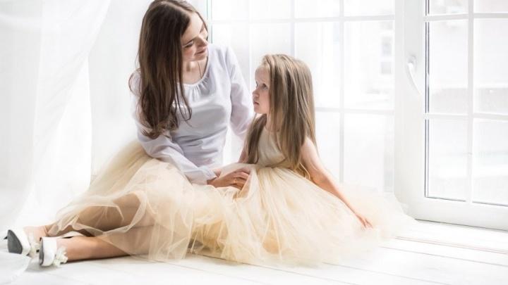 Бизнес в декрете: екатеринбурженка сдала в аренду «дочкины» платья, чтобы не пылились в шкафу