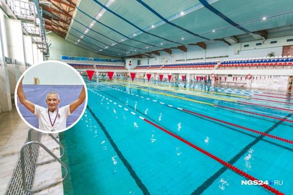 80-летний Владимир Петров регулярно занимается плаванием