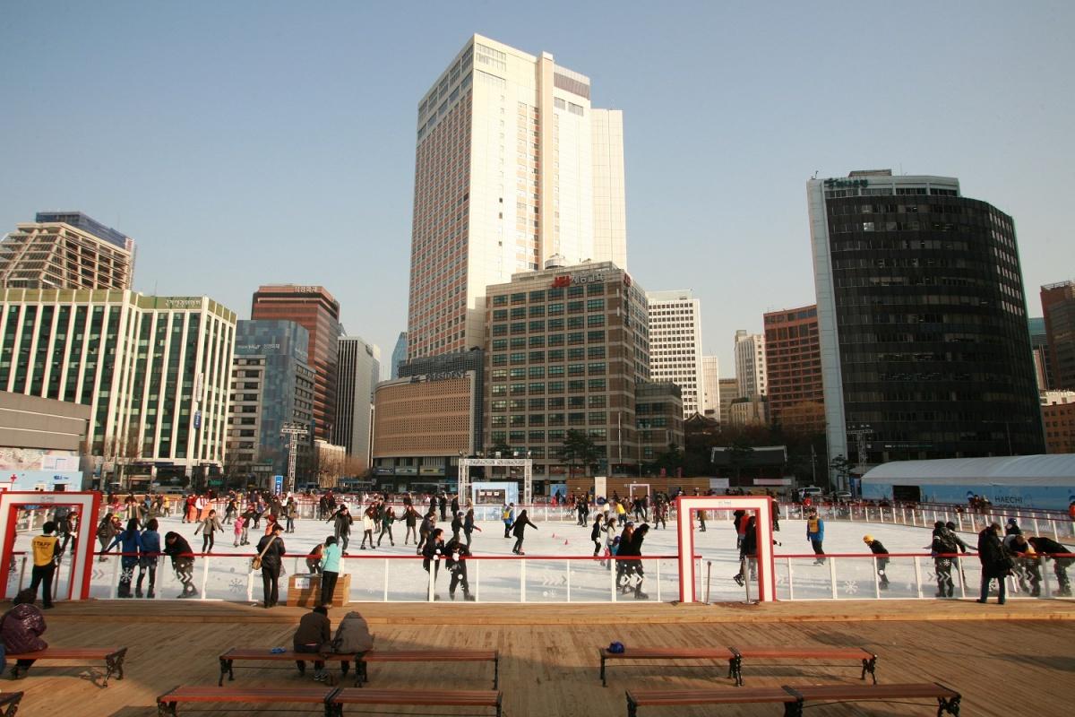 Каток на Сеульской площади