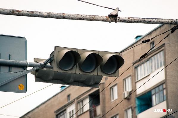 Чтобы уменьшить количество аварий, в городе дополнительно установят светофоры