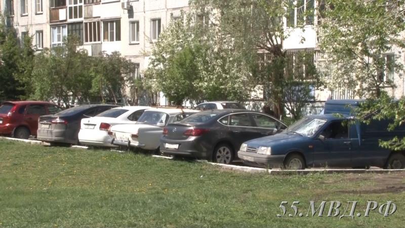 Нетрезвый новосибирец разбил вОмске восемь авто впопытке уехать домой