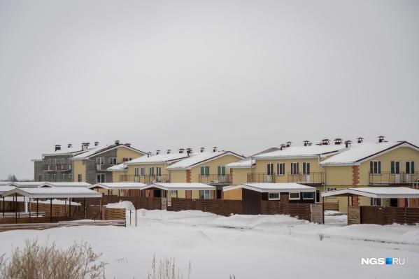 Жилой район «Светлый» построили фактически в поле Мошковского района