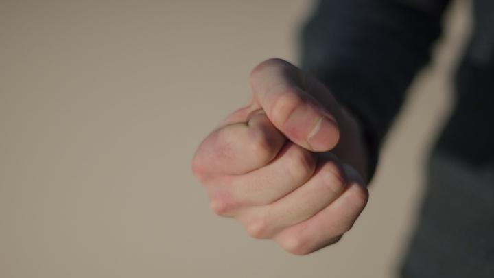 Бил и держал в неволе: житель Пинежского района пойдет под суд за истязания бывшей подруги