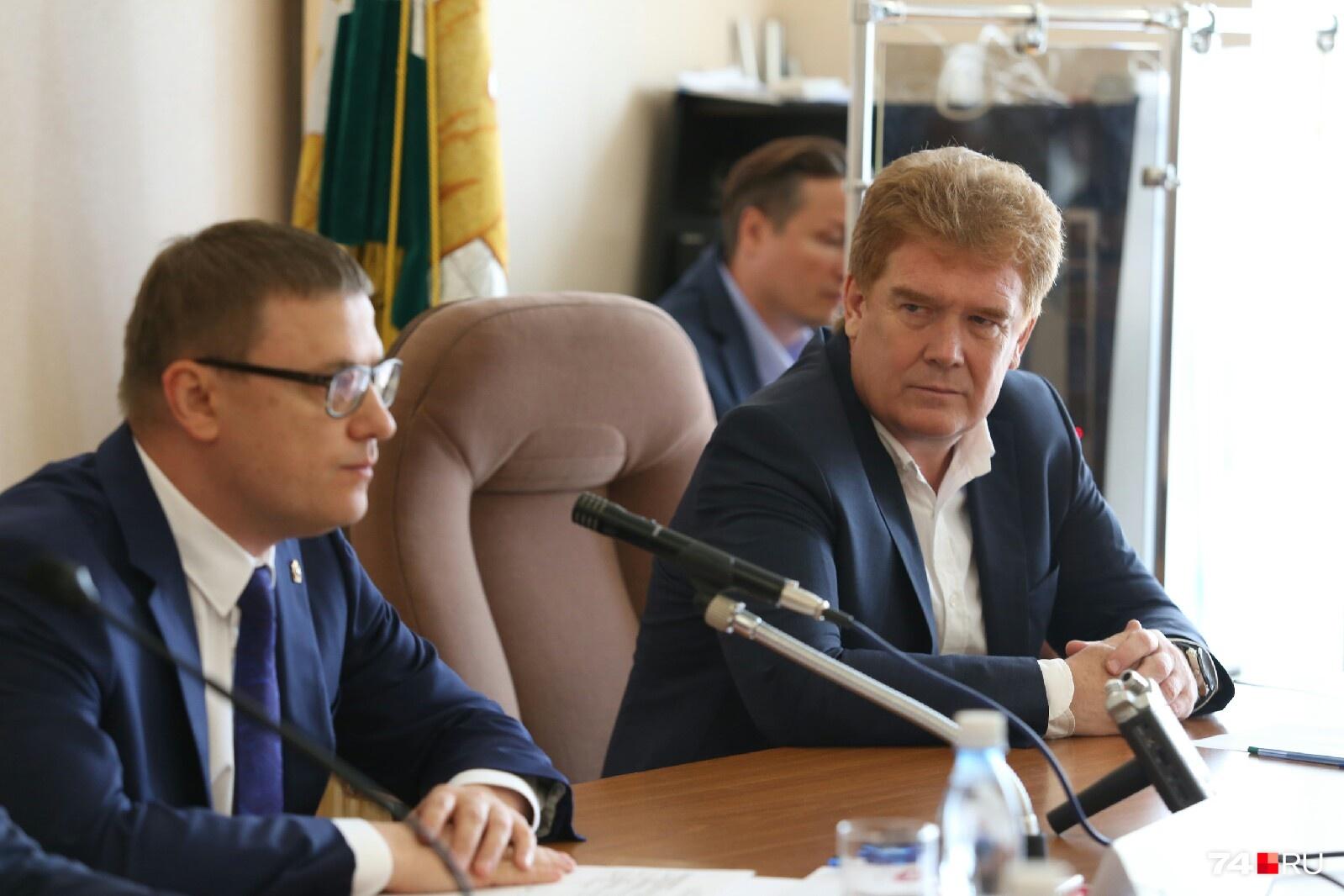 Владимир Елистратов (справа) заявил, что осознанно написал заявление об увольнении