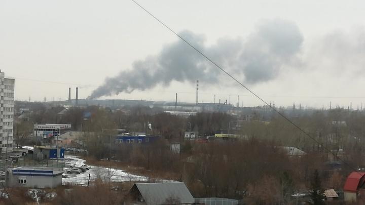 Уже строители тушат: прокуратура потребовала от мэрии ликвидировать пожары на челябинской свалке