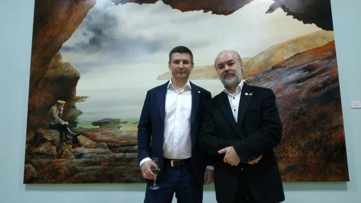 Сюрреалист из Германии привёз в Новосибирск картины стоимостью несколько миллионов евро