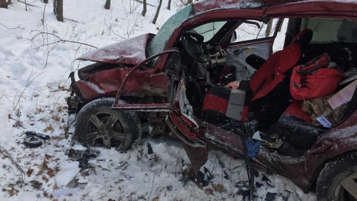 Водитель Chery скончался при столкновении с маршруткой Ford в Уфе