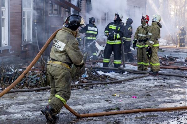 На месте работали несколько пожарных расчетов