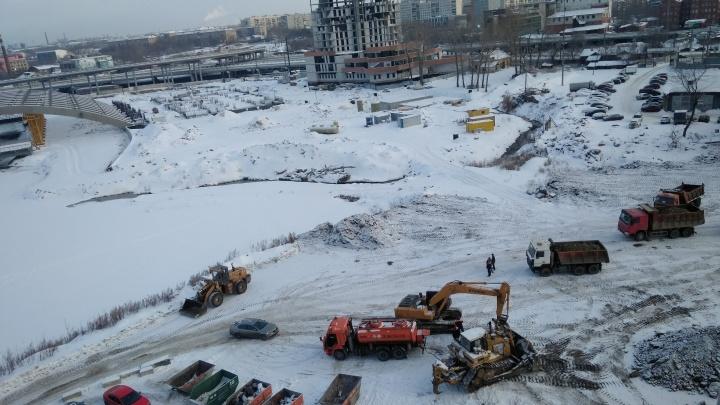 В центре Челябинска начали строить набережную по забуксовавшему проекту