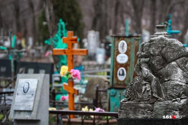 В Ростове воры совершили с кладбища восемь краж