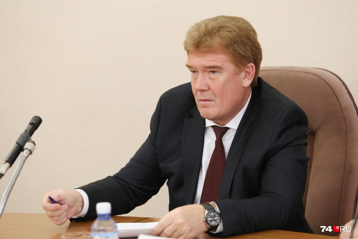 В дебатах с оппозицией Владимир Елистратов смысла не видит