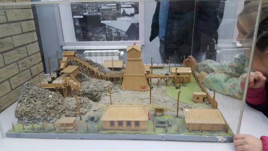В музее есть мини-поселение старателей