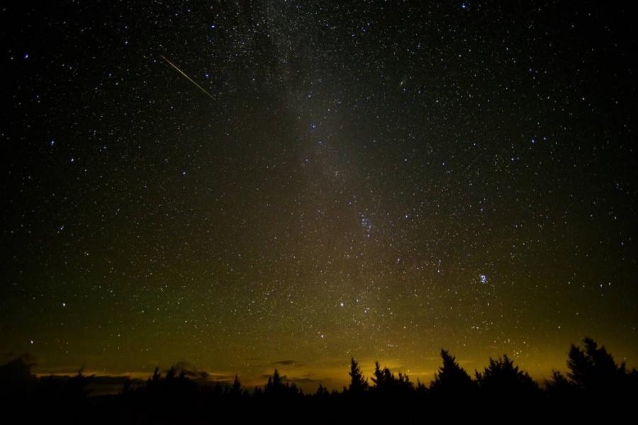 Метеорный дождь можно будет увидеть внебе над Подмосковьем вэти выходные
