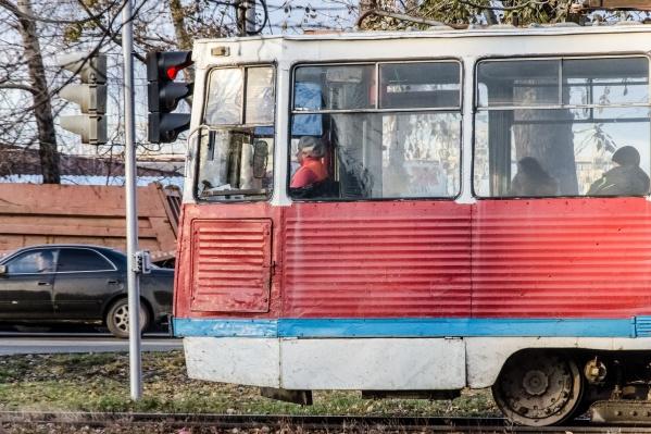 """Маршрут отменят на три дня — рано утром 17 сентября трамвай <nobr class=""""_"""">№ 11</nobr> запустят снова"""