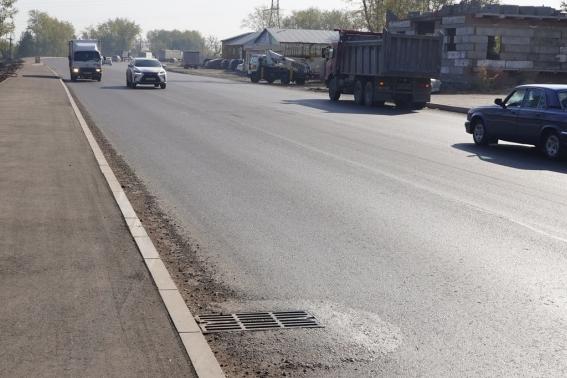 «Хотя бы знаки поставьте!»: автомобилисты раскритиковали незаконченный ремонт на Ястынской
