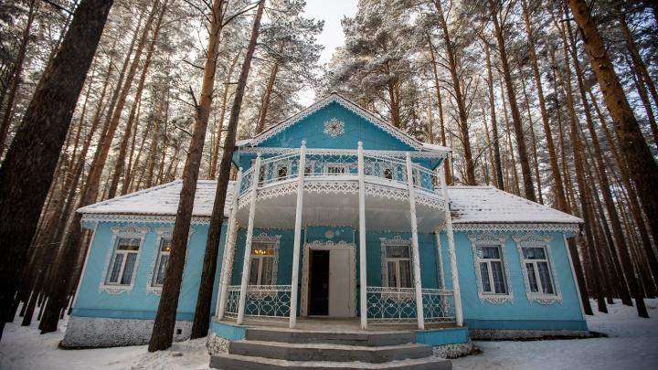 Под Новосибирском появился терем Мороза Ивановича