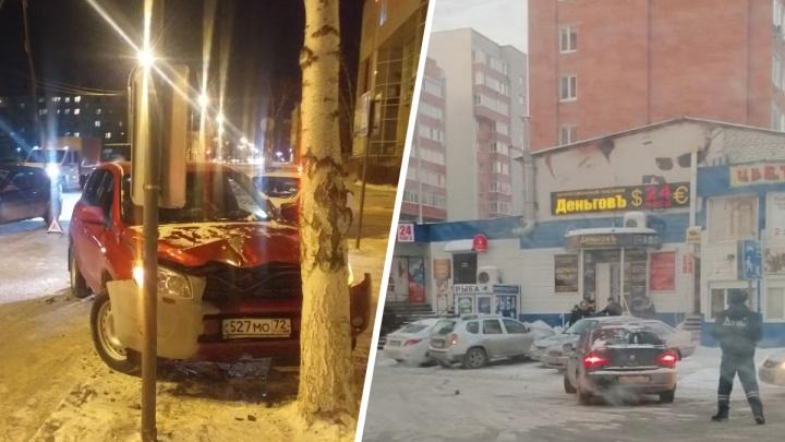 В Тюмени за вечер на пешеходных переходах сбили двух женщин