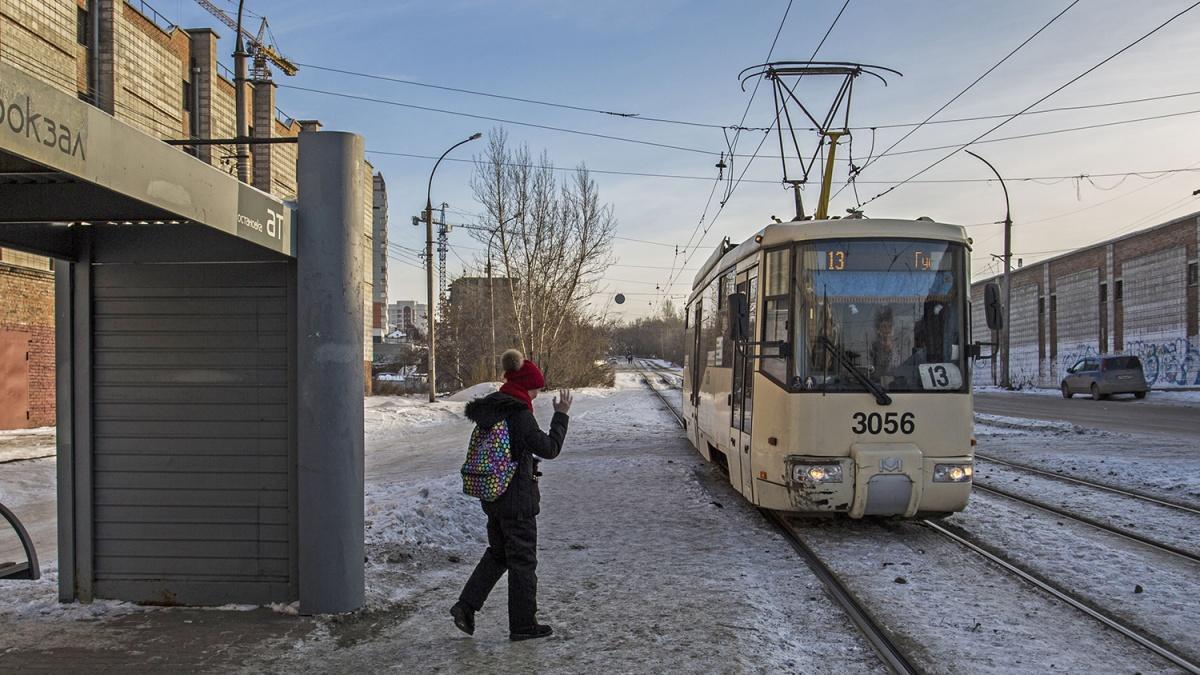 Ученикам школ разрешат бесплатно ездить на муниципальном транспорте: трамвае, троллейбусе, метро и нескольких маршрутах в Советском и Первомайском районах