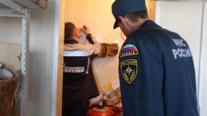 Проходимцы под видом инспекторов одолевают горожан с требованием купить пожарные датчики