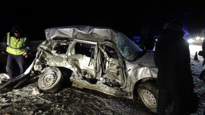 На Серовском тракте водитель Renault погиб после столкновения с грузовой «Газелью»