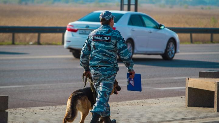 В медицинской маске и с ножом: в Новошахтинске мужчина напал на продуктовый магазин