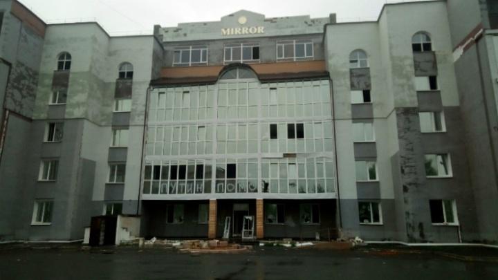 В Рыбинске суд заставил чиновников законсервировать дом, который не могут достроить 30 лет