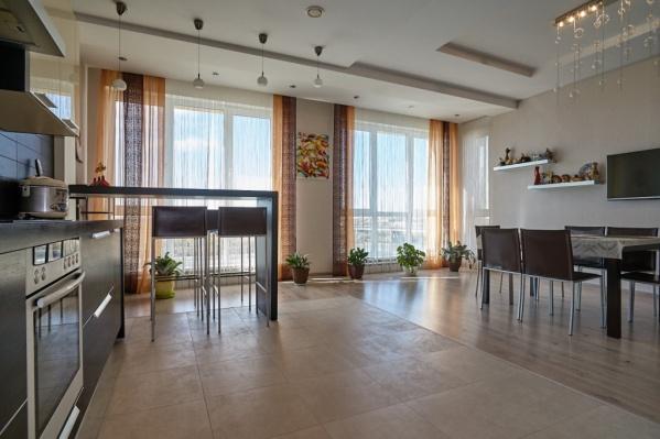 В квартире четыре комнаты